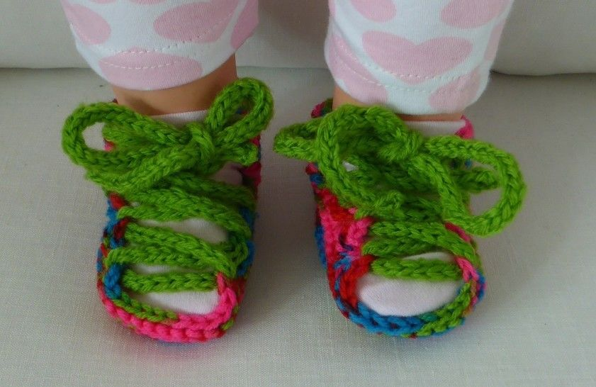8ply lace up sandals for baby - PDF knitting patern - Bianca