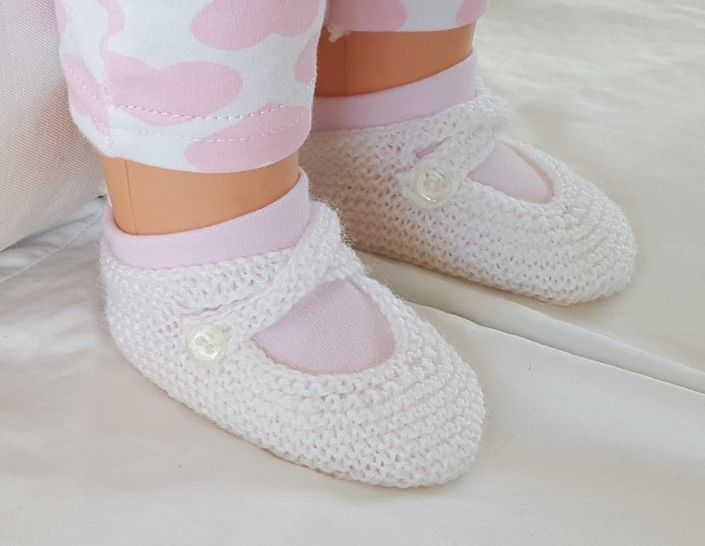 3ply garter stitch baby shoes with two ankle straps - Tania