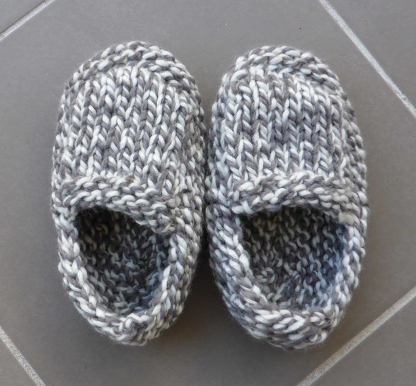 Chunky family slippers - knitting pattern - Sierra
