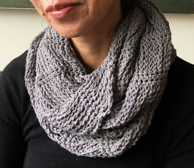 Easy Crochet Cowl Pattern (Too-Cool-for-School Urban Cowl)