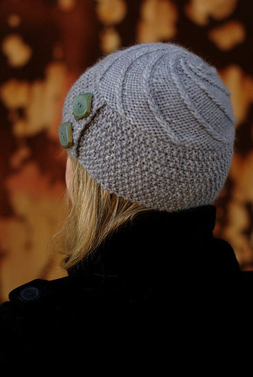 Lexie buttoned beanie - knitting pattern