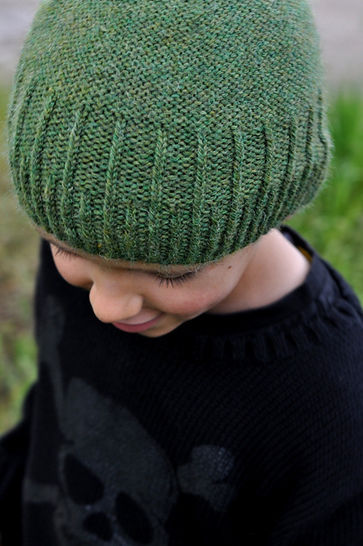 Staggered beanie - knitting pattern
