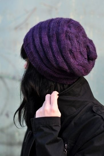 Alveare slouchy hat - knitting pattern