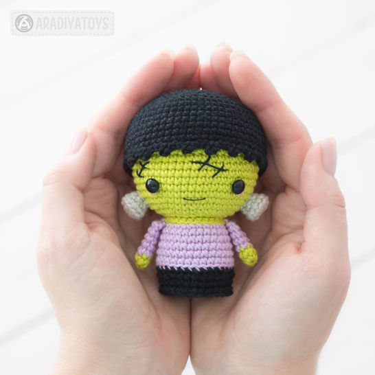 Crochet pattern of Halloween Minis by AradiyaToys