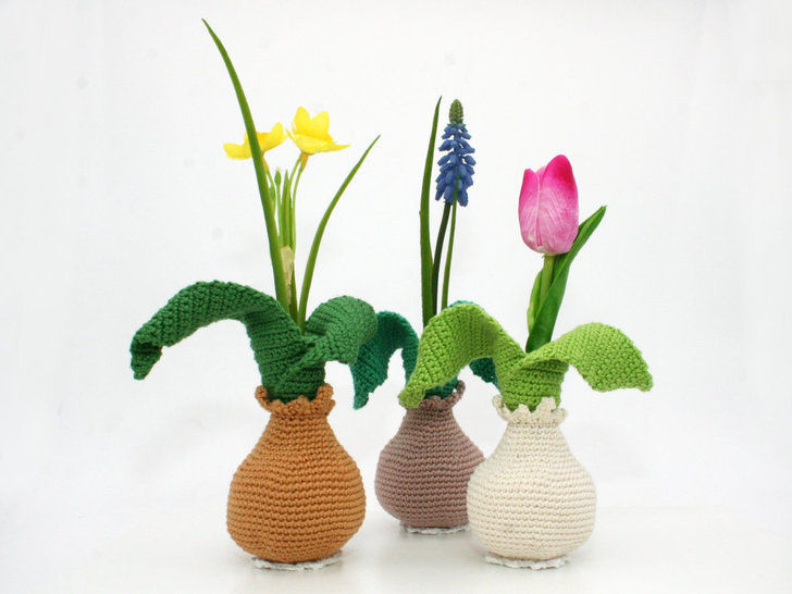 Little Flower Bulb Vase - Crochet Pattern