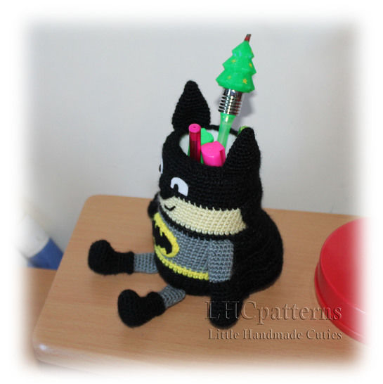 Batman Pencil Holder Pen Stand Crochet Pattern