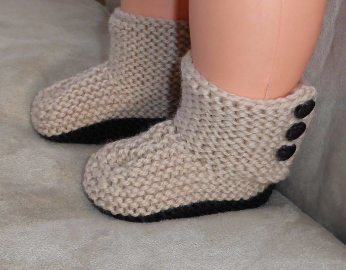 Baby's side buttoning boots in 8ply - Cassandra