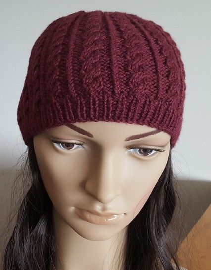 Cable beanie in 5ply - 2 years to Lady - Amy