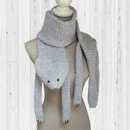 Cat Scarf. Gray crochet scarf with black cat silhouettes and red ... | 546x546