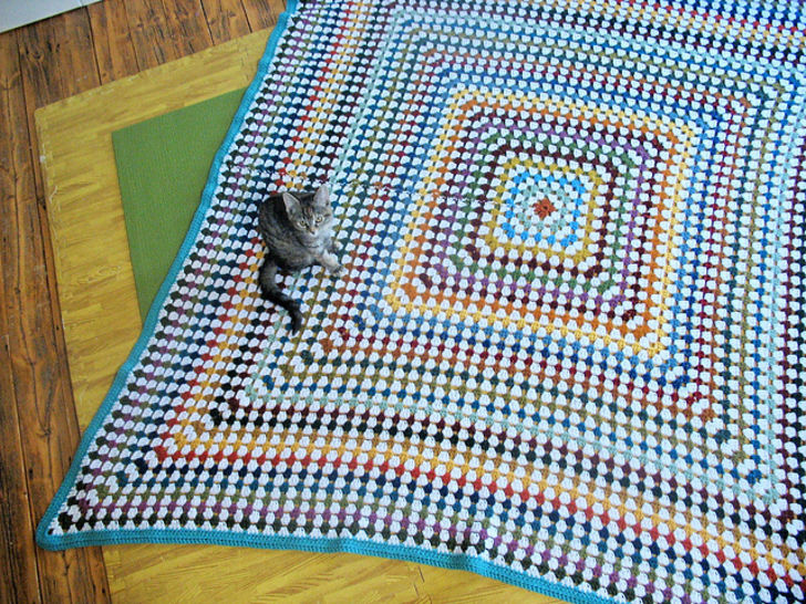 Classic Granny Square Blanket - Knitting
