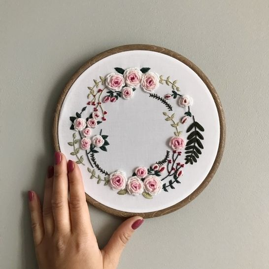 Spring wreath - embroidery pattern