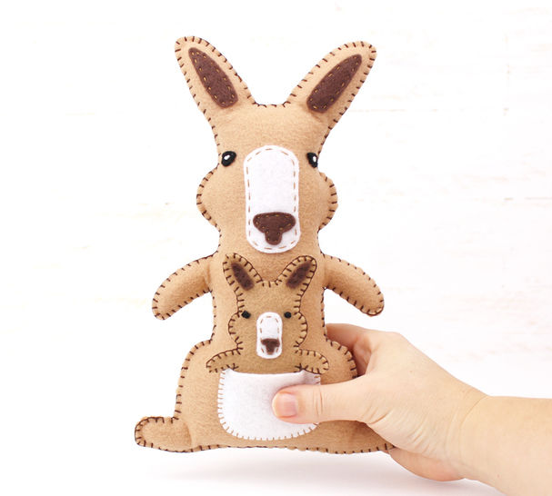 Kangaroo Sewing Pattern, Felt Hand Sewing Kangaroo and Joey