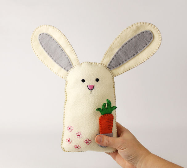 Felt Bunny Rabbit and Carrot Hand Sewing Pattern