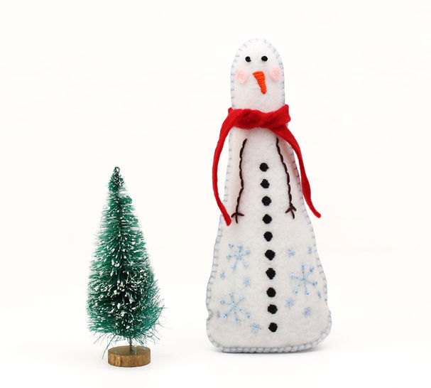 Felt Snowman Hand Sewing Pattern