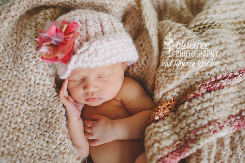 Crochet Hat Pattern Newborn to Women VINTAGE TWIST
