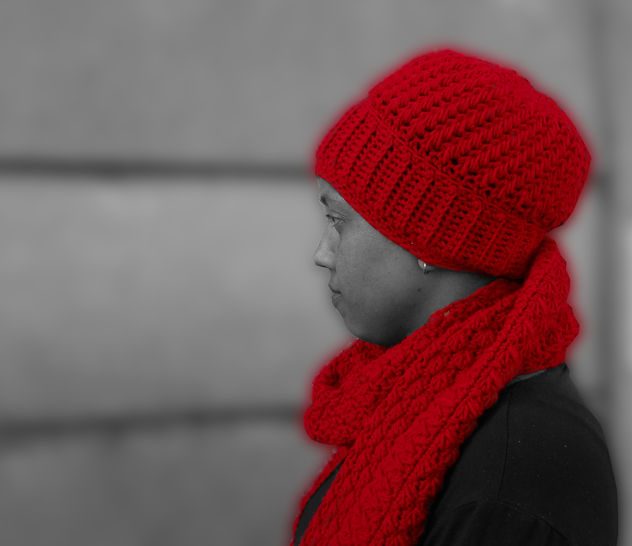 Blood moon hat and scarf