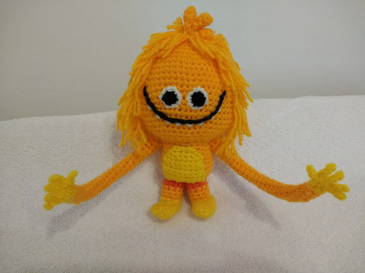 Pocket Amigurumi: 20 Mini Monsters to Crochet and Collect: Somers ... | 546x728