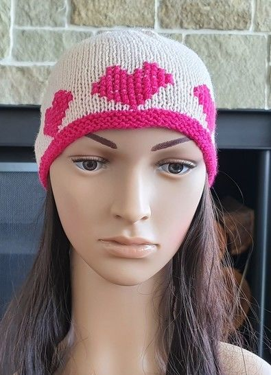 Beanie with heart motifs - 2 years to lady - Macey