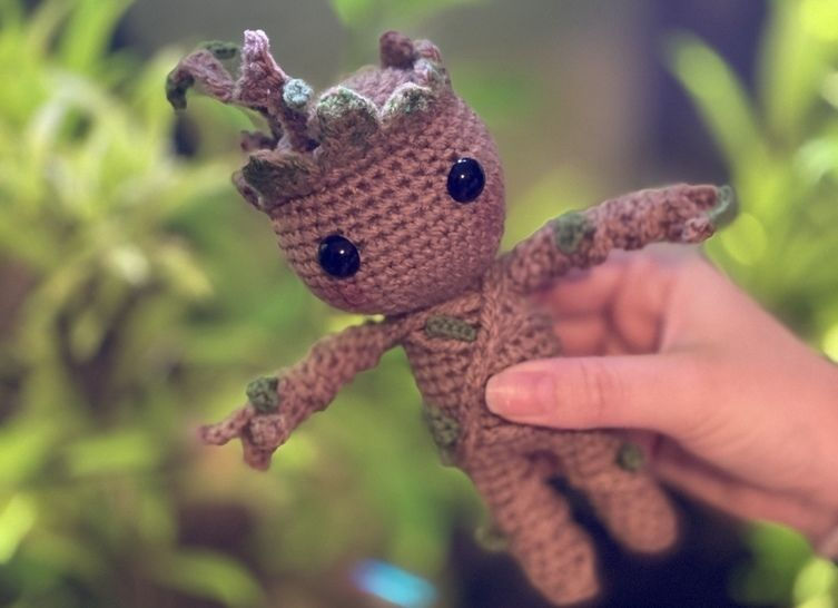 I made this Baby Groot and wrote down a pattern, in case anyone is ... | 546x753