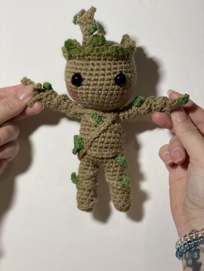 Free Crochet Pattern: Potted Baby Groot from Guardians of the ... | 546x411