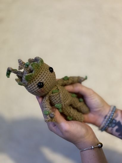 Free Crochet Pattern: Potted Baby Groot from Guardians of the ... | 546x410