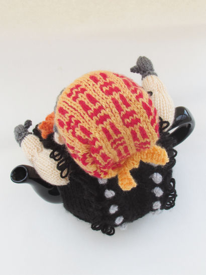 Biker Tea Cosy Knitting Pattern