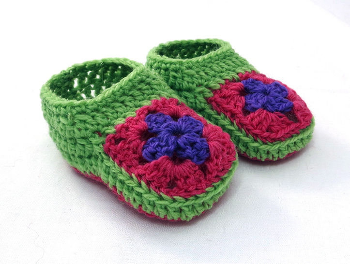 Granny Square Baby Booties and Beanie Gift Set
