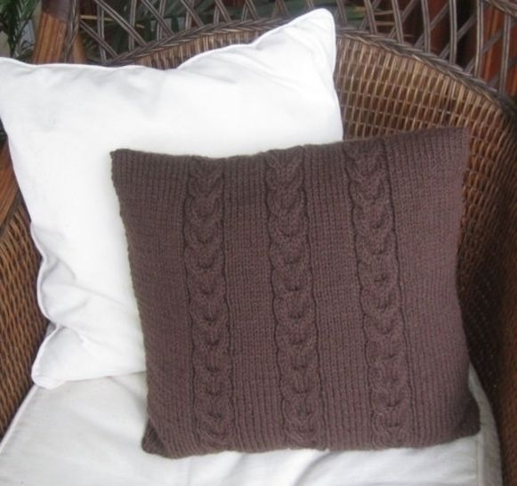 Cable cushion cover - Chocolate Buttons