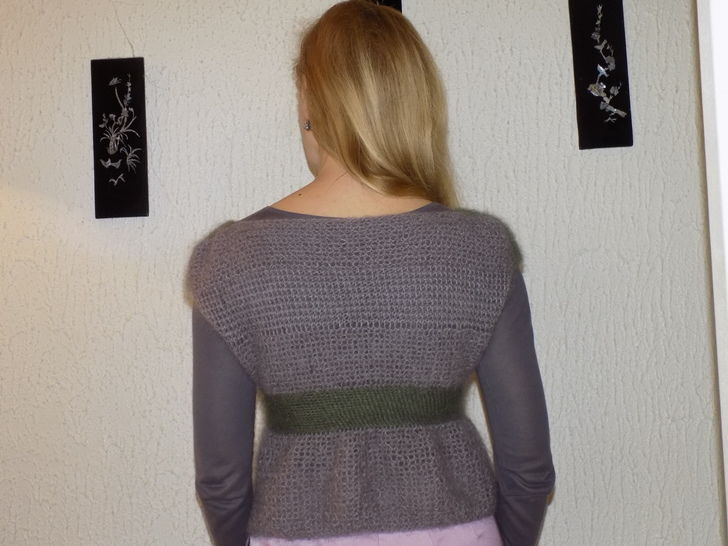 KNITTING PATTERN Empire Style Knit Top with a Felt Flower
