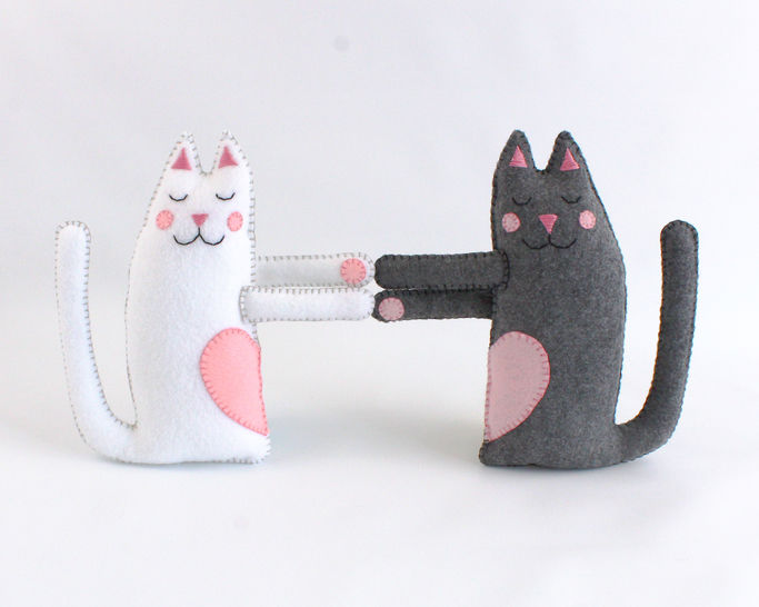 Hugging Cats Hand Sewing Pattern
