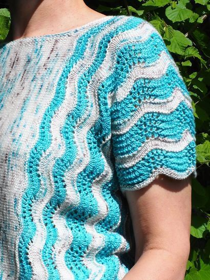 Beach - a sweater with short sleeves knitted sideways.
