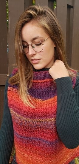 Boxed in - crochet pullover