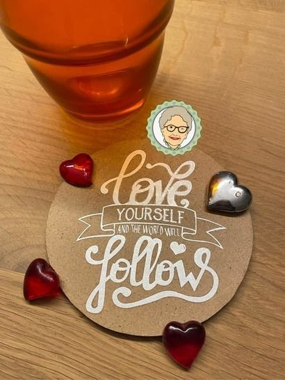 "Fichier de découpe plotter  ""love yourself"""
