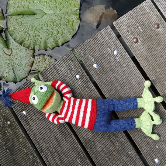 FROG POLDI soft toy knitting pattern