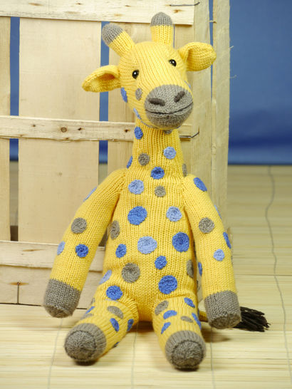AMANI THE GIRAFFE knitting pattern