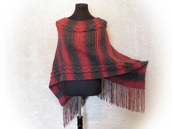 Knitting pattern folded poncho Siria