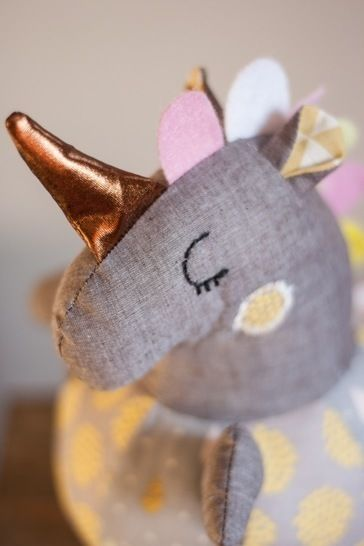 Roly-poly Unicorn for babies - pattern & sewing instructions