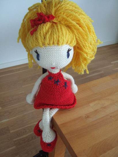 Crochet Doll Tutorial - Linda