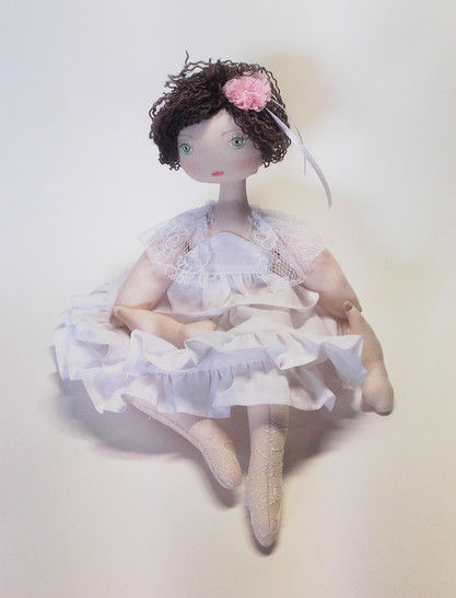 Rag doll sewing pattern and tutorial - 35 cm (13,65 inches) tall - Nuumber 37