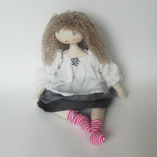 Rag doll sewing pattern - 35 cm (13,65 inches) tall - Suitable for beginners - Number 2