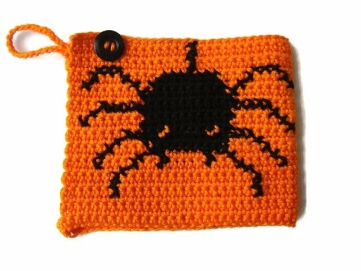 Mug cozy Halloween Spider - crochet pattern