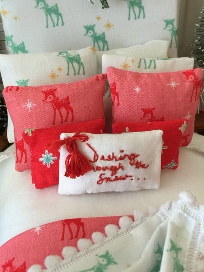 Dashing Through the Snow Christmas Doll Bedding Sewing Pattern - Dollhouse Scale