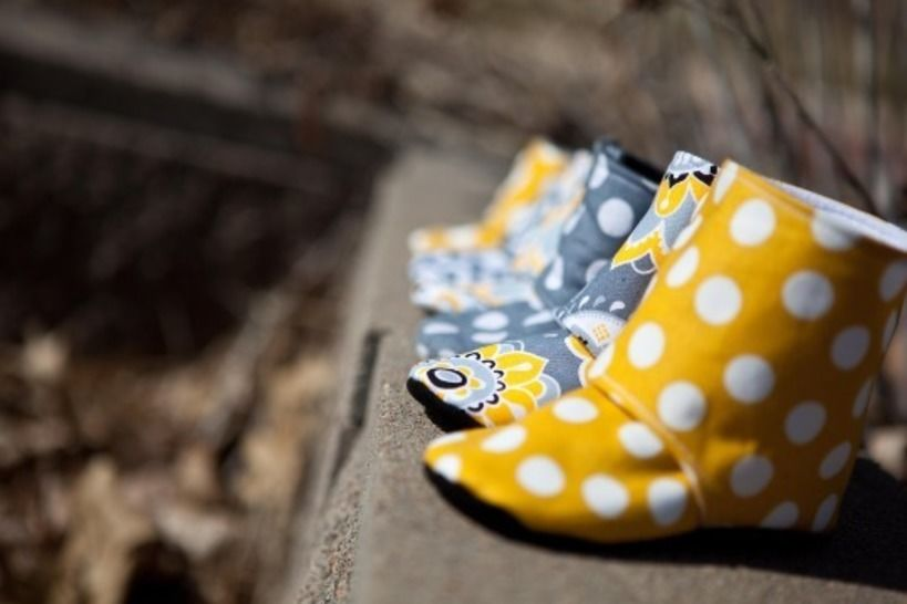 Maggie's Stay-On Baby Booties Sewing Pattern