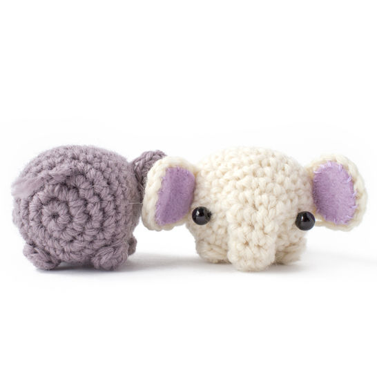 Little elephant amigurumi - crochet pattern