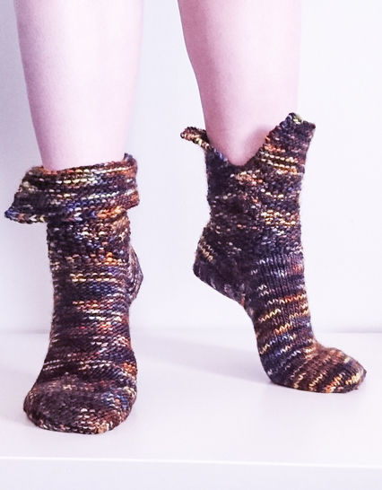Aiden - Reversible Socks Knitting Pattern For Worsted Weight Yarn. Quick and Easy Pattern!