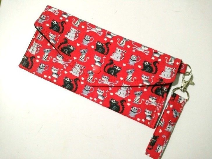 Simple clutch with 8 flap designs - great for beginners