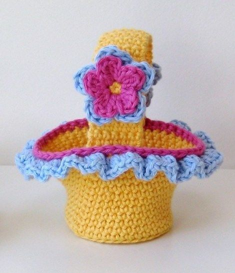 Crochet bags, 3 Easter Baskets, Pattern No17, in both UK and US crochet terms