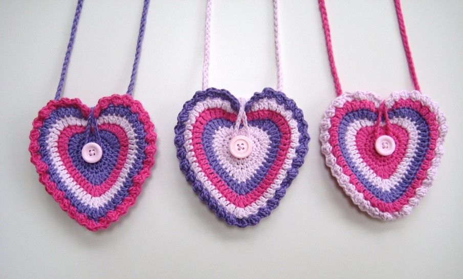 Crochet bag, Heart bag, Pattern No13, in both UK and US crochet terms