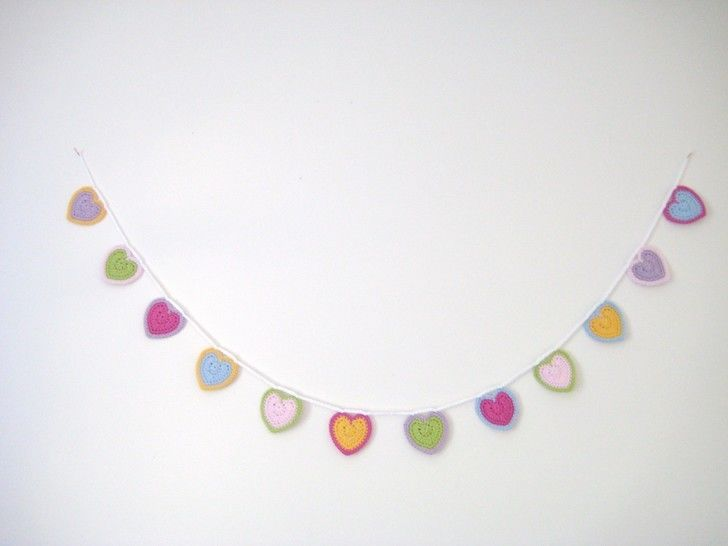 Crochet Bunting Garland, Hearts, Pattern No12, in both UK and US crochet terms