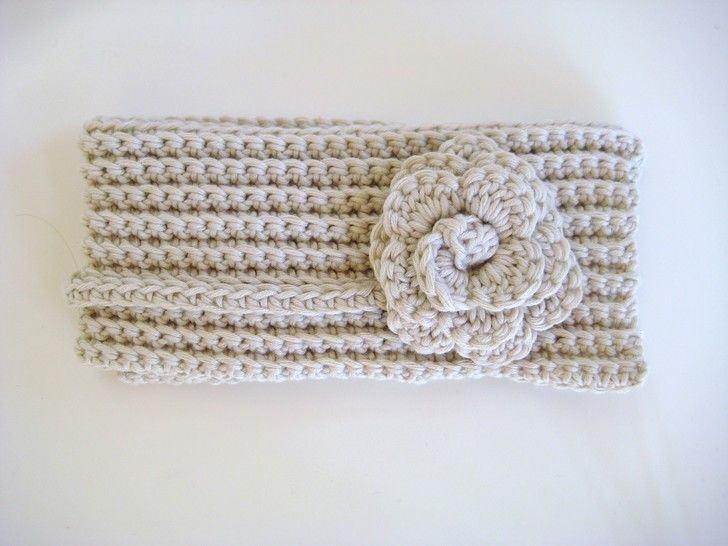 Crochet scarf, Flower neckwrap, Pattern No11, in both UK and US crochet terms